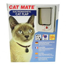 Cat Mate Electromagnetic Cat Door - Wood Fitting (including battery & collar magnets)